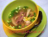 суп из куриной грудки с кукурузой и ветчиной