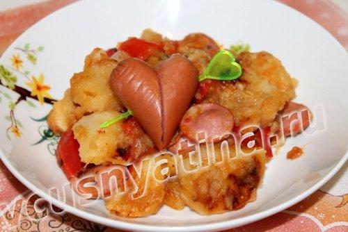 тушеный картофель с сосиской