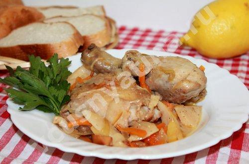 Курица с айвой и овощами