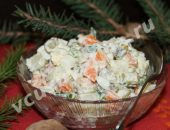 Новогодний оливье со скумбрией