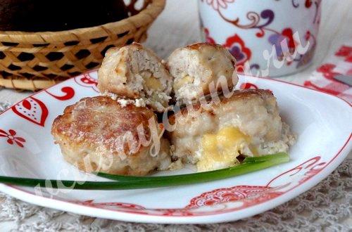 Котлеты с сыром внутри, рецепт с фото
