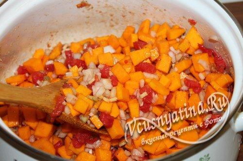 Пряная приправа чатни из тыквы и свежих помидоров