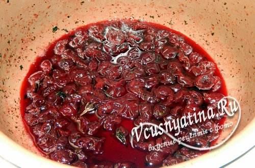 Варенье из вишни без косточек в мультиварке на зиму