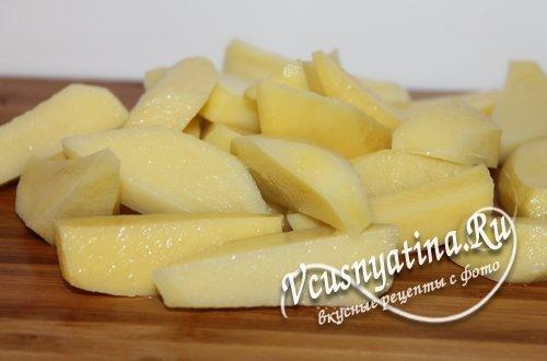 картофель для оджахури нарежьте дольками