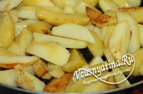 картофель обжарьте отдельно