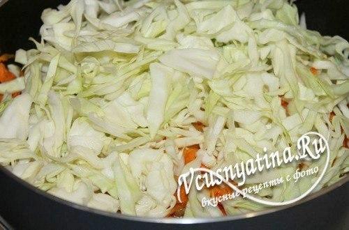 Капуста тушеная с цукини - добавьте к овощам капусту