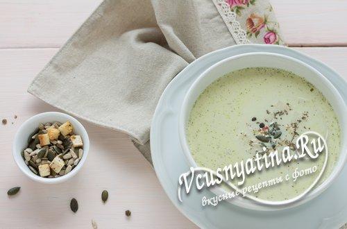 Крем-суп из брокколи со сливками в мультиварке - рецепт с фото