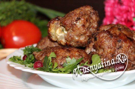 Мясные зразы с рубленым яйцом и луком