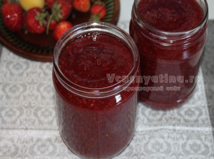 Варенье из красной смородины с апельсинами и изюмом