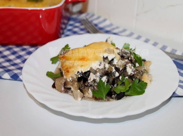 Баклажаны запечённые с грибами и сыром в духовке