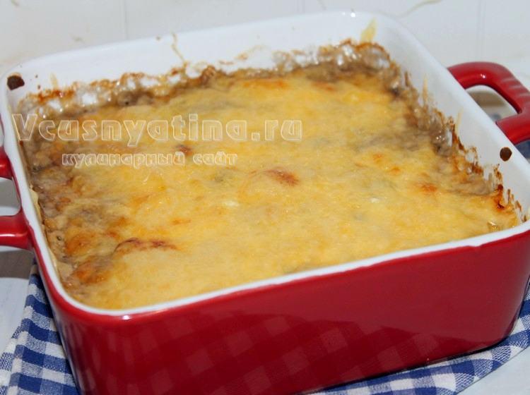 Запекайте баклажаны с грибами и сыром в духовке до готовности