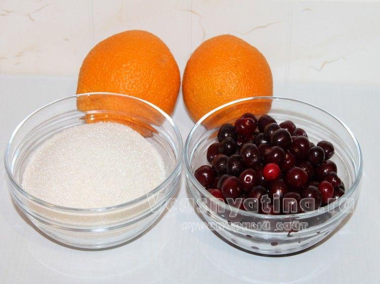 Вишня с косточками, сахар и апельсины для варенья