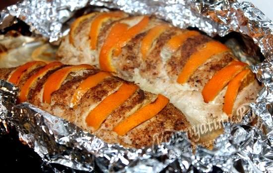 Запеките индейку с мандаринами в духовке