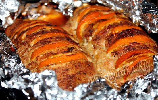 Запекайте под соусом индейку с мандаринами 15 минут