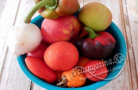 Овощи для приготовления острого кетчупа
