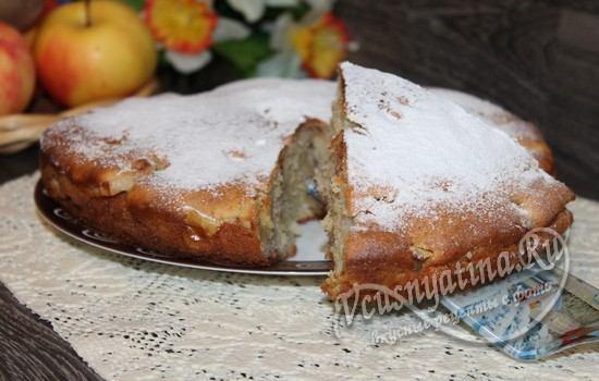 Готовый быстрый яблочный пирог