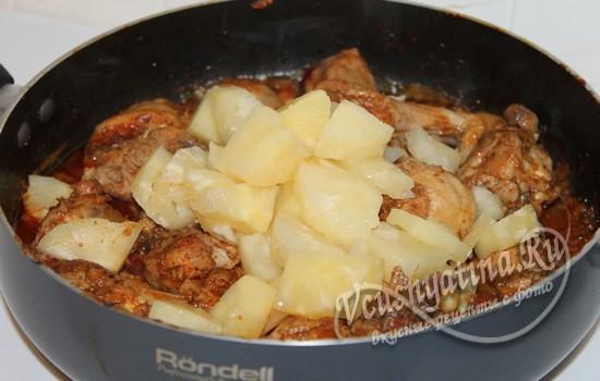 К курице добавить ананасы