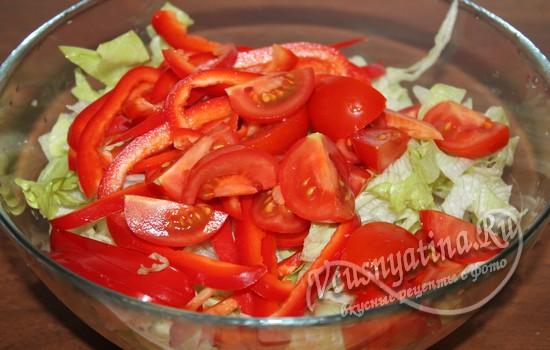 К салату добавить помидоры