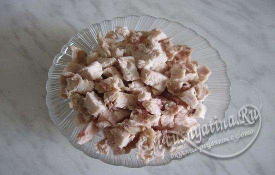 Подготовить курицу для салата