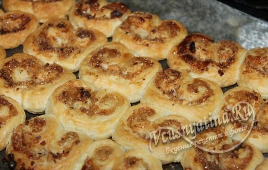 Испечь печенье ушки