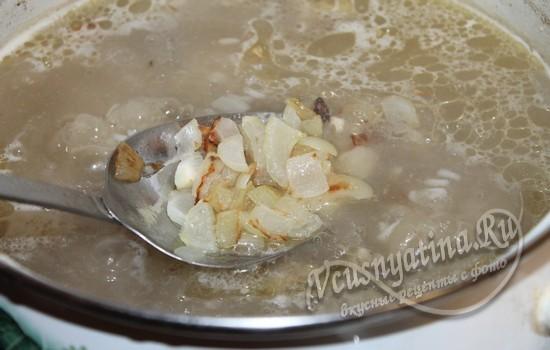 Добавить лук в суп