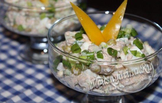 Салат с тунцом, огурцом и яйцом