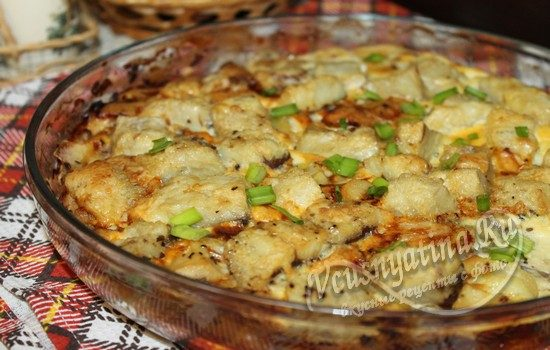 Готовая запеканка с рыбой и картофелем