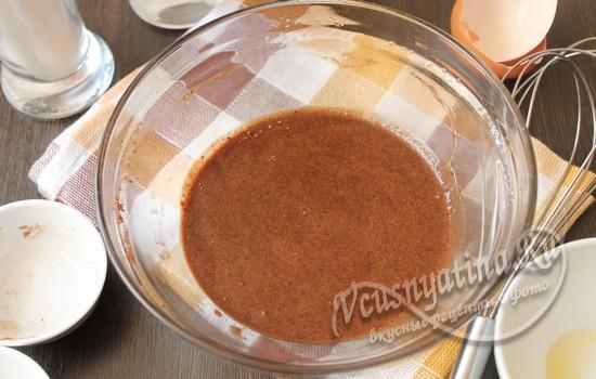 добавляем ванилин, какао, размешиваем