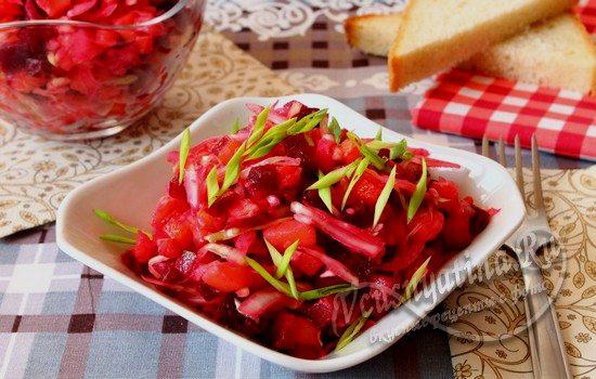 Винегрет со свежей капустой и соленым огурцом