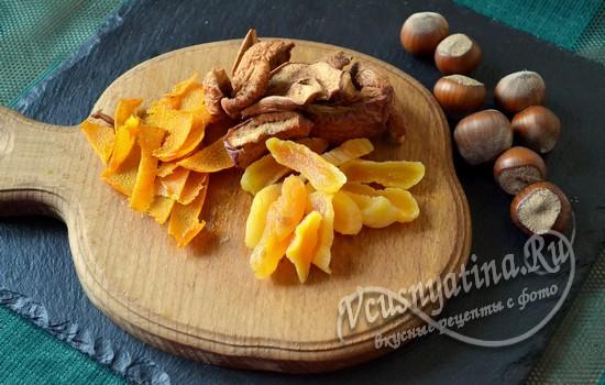 подготавливаем фрукты и орехи