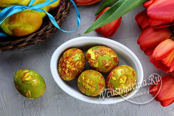 рецепт покраски яиц луковой шелухой и зеленкой