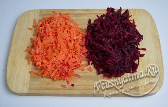 натираем морковь и свеклу