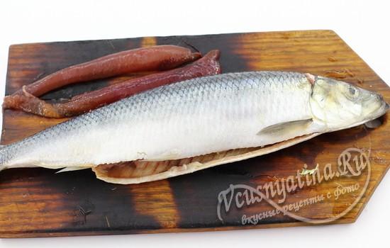 потрошим рыбу