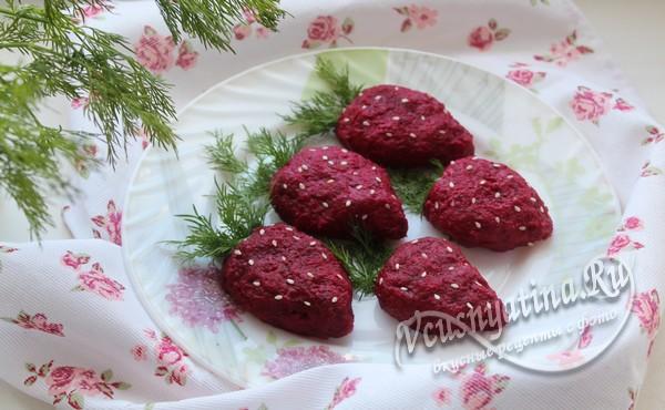 Закуска Клубника из селедки