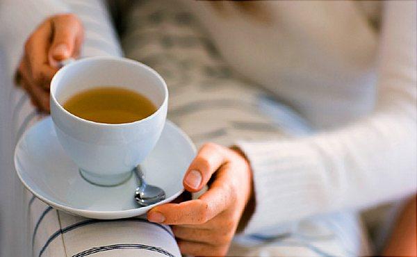 чай с молоком в кружке