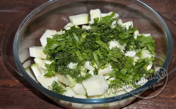 добавить к кабачкам зелень