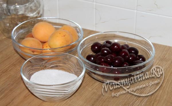 абрикосы и черешня для компота