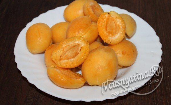 половинки абрикос
