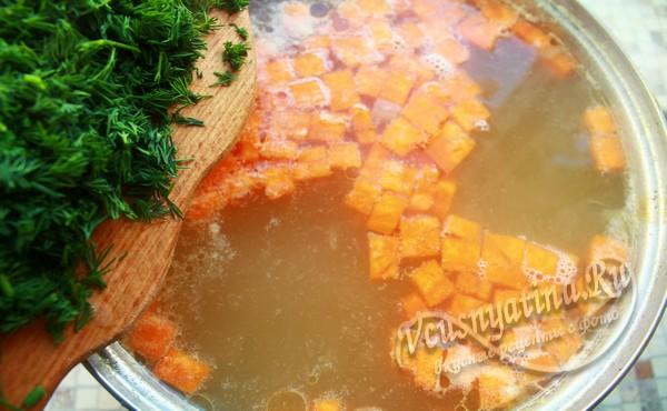 в суп из домашней курицы добавить зелень