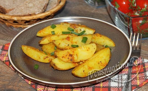 запеченный молодой картофель готов