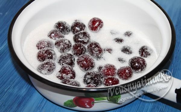 Черешни с сахаром для варенья