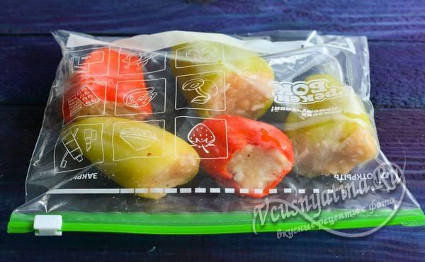 укладка перца в пакет для заморозки