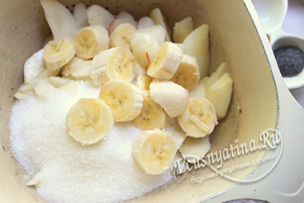 добавить сахар и бананы