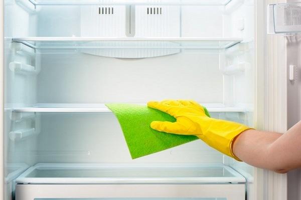 Чем и как мыть холодильник после разморозки