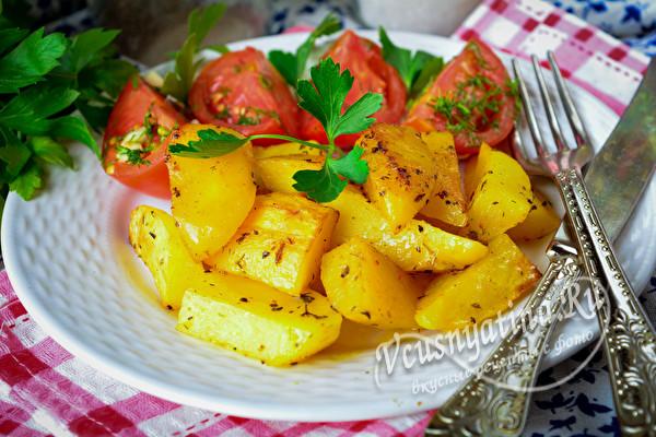 картофель с помидорами