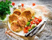 Сытные и вкусные оладьи из кабачков с фаршем