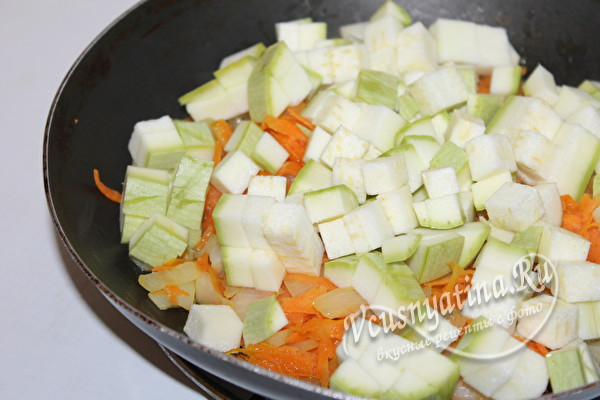 добавить в овощи кабачок