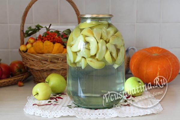 залить яблоки водой