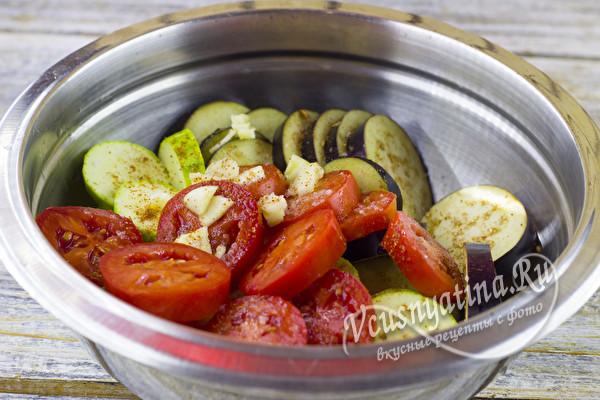 дать настояться овощам со специями