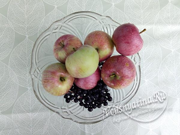 яблоки и ягода для джема
